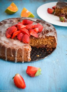 fascinatingfoodworld: Eggless Strawberry and almond meal cake with orange glaze and more strawberries Orange Recipes, Almond Recipes, Baking Recipes, Dessert Recipes, Desserts, Eggless Strawberry Cake Recipe, Fresh Fruit Cake, Almond Cakes, Gluten Free Cakes