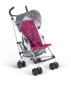 Great umbrella stroller for tall moms and dads. Also, solid sturdy wheels for city strolling!