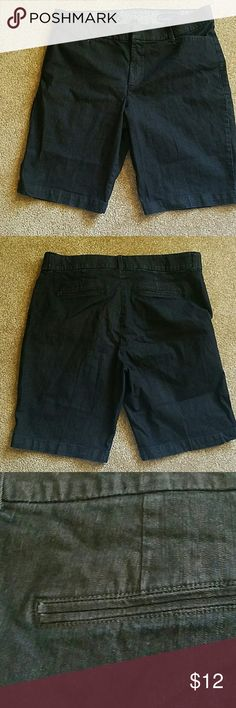 Vanderbilt jean shorts with stretch Used condition. Front pockets.  1 % spandex Shorts