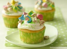 Lucky Charm Cup cakes YUUUUMMM!!!