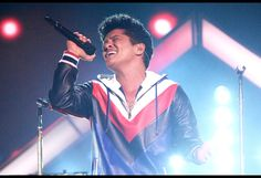 Watch Bruno Mars' Behind-the-Scenes Video From European 24K Magic Tour