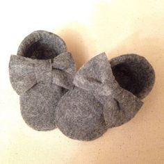Wool Felt Soft Sole Baby Moccasins Bow Optional by MamaBearMoccs