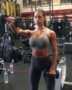 "Gefällt 2,204 Mal, 20 Kommentare - Female Workout Videos (@_workoutvideos) auf Instagram: ""Start your 2018 with a shoulder workout to sculpt that upper body . . Credit @karinaelle . ."""