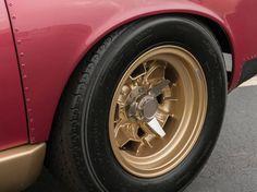http://cdn.silodrome.com/wp-content/uploads/2014/12/Lamborghini-Miura-11.jpg