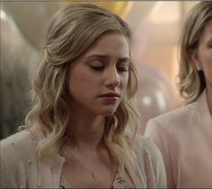 """Betty Cooper - Riverdale """"Chapter Eight: The Outsiders"""" Betty Cooper Riverdale, Small Minds, Cheryl Blossom, Lili Reinhart, Costume Design, Hair Looks, The Outsiders, Lily, Tv Series"""