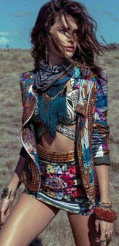 TatiTati Style ➳➳➳ Isabeli Fontana by Eduardo Rezende for Marie Claire Brazil November 2014 - LOVE the jacket. Boho Gypsy, Hippie Boho, Moda Hippie, Estilo Hippie, Bohemian Girls, Hippie Style, Gypsy Style, Style Me, Boho Style