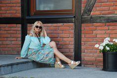 Tym razem do rozmowy zaprosiłam blogerkę modową Babooshka Style. Kobietę 50+, która – za namową swojej koleżanki – w wieku dojrzałym postan...