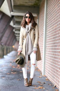 Look of the day: Light tones and animal print boots!