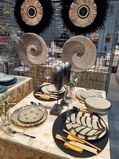 Tendenze di stile da HOMI 2020 Boho Chic, Table Settings, Art, Table Top Decorations, Place Settings, Dinner Table Settings, Setting Table