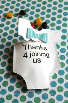 Cute baby shower party favor idea. Make these onesie candy pouches.