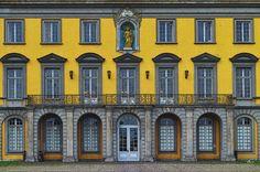 'Portal der Bonner Universität' von Dirk h. Wendt bei artflakes.com als Poster oder Kunstdruck $18.03