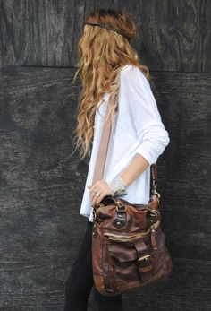 Bohemian Chic // Love the handbag! #fashion #leather