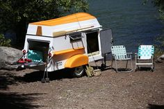 Portland-based American Dream Trailer Company has a new – er, revisited – idea for how to best transport a boat on your camper. In place of the typical gear racks, its trailer uses a matching boat that secures to the trailer roof like a fitted hat.