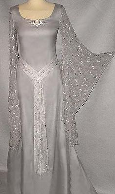 Ethereal Gown: Galadrielkleid Perlgrau