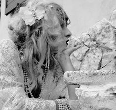 Farfalla per capelli con clip, ricamata a mano- Butterfly hair clip, hand embroidered