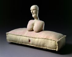 Louise Bourgeois, Femme, 2005.
