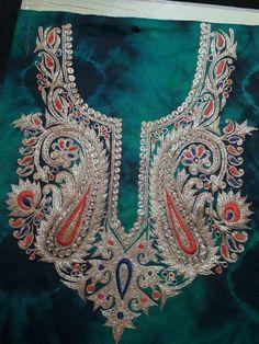 Bead Embroidery Tutorial, Aari Embroidery, Embroidery Suits, Japanese Embroidery, Embroidery Patterns, Sleeves Designs For Dresses, Sleeve Designs, Corset Sewing Pattern, Afghan Dresses