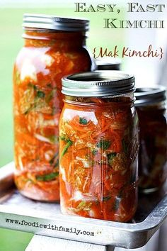 Easy, Fast Kimchi {Mak Kimchi} -- this looks doable. I love kimchi. Fermentation Recipes, Canning Recipes, Korean Dishes, Korean Food, Asian Recipes, Healthy Recipes, Healthy Food, Le Diner, Fermented Foods