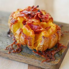 Bloomin' Baked Potato @keyingredient #cheddar #bacon #cheese