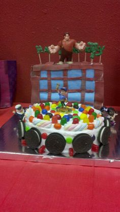 Wreck it Ralph birthdays cake!  - A Southern Outdoor Cinema movie snack & food idea for backyard movie night.