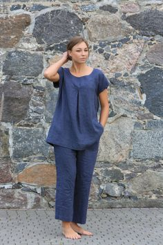 Linen Tunic Top Linen Womens Clothing Linen Blouse by OldWallLinen Curvy Outfits, Mom Outfits, Casual Outfits, Summer Outfits, Linen Tunic, Linen Blouse, Linen Pants, Sewing Blouses, Romantic Outfit