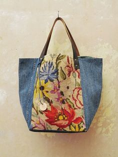 Tote with denim and vintage needlepoint. Patchwork Bags, Quilted Bag, Sacs Tote Bags, Reusable Tote Bags, My Bags, Purses And Bags, Bag Quilt, Recycle Jeans, Upcycle