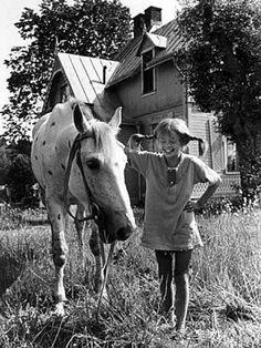 Pippi Longstocking, such a wonderful part of my Childhood. Nostalgia, Pippi Longstocking, Belle Photo, Childhood Memories, Vintage Photos, My Idol, Cool Photos, Interesting Photos, Horses