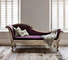 And So To Bed's Versailles Chaise Longue ticks all the boxes of a perfect chaise, no matter whether you call it chaise longue or chaise lounge.