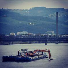 #bagger #schiff #danube #donau #linz #austria #lnz #linzpictures #baggern #working #digg