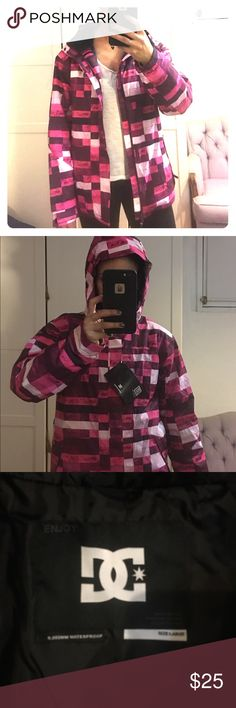 """BWT DC gurls farah k ski jacket Girls Snowboard Jacket in Pink - this is girls size large. I'm 5'7"""" 135lbs, wear women's small jacket and this fits me! Waterproof/Breathable 5,000mm/5,000g Critically Taped Seams Seals out wind and moisture at the seams Fully Insulated Stay toasty warm in freezing temperatures Waist Gaiter Powder Skirt Keeps the snow out at the waist Interior Pocket for storing goggles, cell phone, or iPod Taffeta Lining Fixed Hood DC Jackets & Coats Puffers"""
