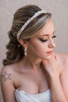 make casamento dia How To Make Hair, Hair Makeup, Wedding Decorations, Wedding Inspiration, Hair Beauty, Bridal, Hair Styles, Fashion Hair, Decorating Ideas