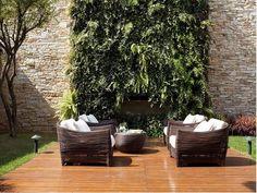 jardim suspenso area externa com sofás deborah roig
