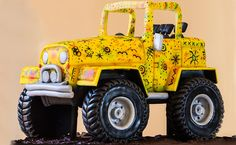 Jeep - Cake by Paul Bradford Sugarcraft School Semi Truck Cakes, Jeep Cake, Cake Decorating Videos, Sculpted Cakes, Cake Online, Cake Gallery, Novelty Cakes, Amazing Cakes, Beautiful Cakes