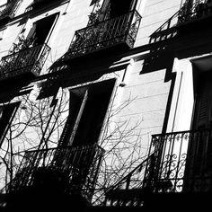 By rahil71: #madrid #spain #city #landscape #architecture #travel #blackandwhite #blackandwhitephotography #monochrome #landscape #contratahotel