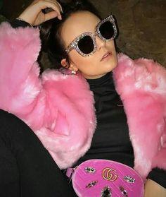 Round Sunglasses, Beauty, Fashion, Female Actresses, Singers, Star, Wall, Brunettes, Moda
