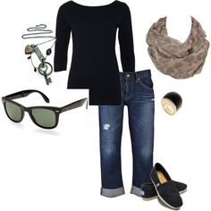 Cute, comfy airplane/travel outfit...love the glasses and scarf!