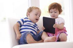 35 tolle Apps für Kleinkinder | Klar, kleine Kinder sollen mit allen Sinnen spielen. Aber manchmal sind Apps schon praktisch, etwa bei längeren Wartezeiten. Es gibt einfach auch sehr niedliche, lustige und kreative Apps. Hier eine Auswahl der 35 besten für Kinder ab zwei Jahren.
