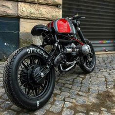 """One Hundred ""Bobber Bmw R Cafe' Racer Extreme. Sportster Cafe Racer, Bmw Scrambler, Bmw Cafe Racer, Cafe Racer Motorcycle, Motorcycle Style, Motorcycle Gear, Bmw Motorcycles, Custom Motorcycles, Custom Bikes"