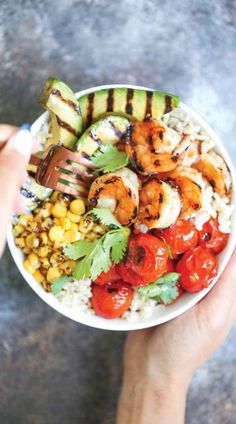 Grilled Honey Garlic Shrimp Bowls - So quick and easy! And that honey garlic sauce is AMAZING! No grill? You can easily saute this on a pan in minutes! Shrimp Recipes For Dinner, Seafood Recipes, Cooking Recipes, Healthy Recipes, Seafood Menu, Skillet Recipes, Lunch Recipes, Healthy Snacks, Vegetarian Recipes