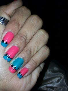 Bow tie french nail tip