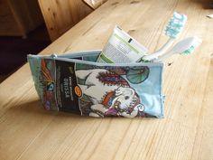 Small necessaire made with café bags.