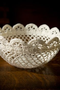 Lace Bowl Tutorial. Up side down it would make a nice lampshade. Maybe add hanging strands of pearls.