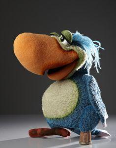 Peg Leg Parrot Puppet- Film puppets | Figurenschneider – Puppenbau & Figurenbau Norman Schneider Walk-Acts   http://figurenschneider.de/en/filmpuppen_piet.php