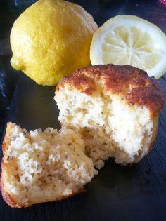 Muffins de Limão   3 ovos batidos, 2 colh sopa farinha de coco, 120g farinha de amêndoas, 4 a 5 colh sopa mel, 1 colh sopa sementes de chia, 1 colh sopa fermento, suco e raspas de 1 limão, 3 colh sopa óleo de coco   Forno pré-aquecido a 180º por 15 minutos. Rende +/- 10 unid. #muffin #farinhadeamendoas