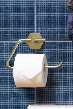 Shop for Hexham Toilet Roll Holder at Next Ireland. International shipping and returns available. Buy now! Buy Toilet, Toilet Brush, Toilet Roll Holder Gold, Annex Ideas, Downstairs Toilet, Back Plate, Plate Design, New House Plans, Towel Rail