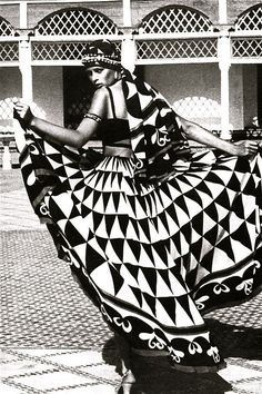 """Morocco Bound"" spread, Vogue UK 1973"