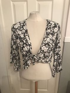 a59f9bf21e4ccb Ladies Black And White Floral Design Tie Crop Top Size 16 New Look  fashion   clothing  shoes  accessories  womensclothing  tops (ebay link)