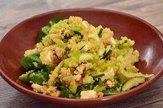 Nútrete con este superalimento. Esta ensalada es única, ¡olvídate de masticar lechuga! y disfruta de su textura y nutrientes. Salad Recipes, Healthy Recipes, Healthy Food, Le Chef, Sin Gluten, Mochi, Hummus, Potato Salad, Crockpot