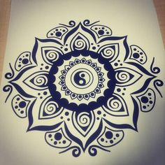 Free mandalas page zen mandala inspired by the yin and for Buddhistische wohnungseinrichtung