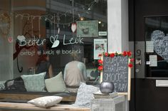 Better & Fun Amsterdam – For breakfast, lunch, lifestyle purchases and inspiration, yoga or catering. Amsterdam Cafe, Amsterdam Restaurant, Terrace Restaurant, Restaurant Exterior, Cosy Cafe, Home Exchange, Lunch Room, Pretty Packaging, Cafe Interior